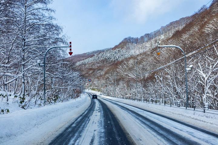 積雪道路.jpg